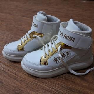 خرید | کفش | زنانه,فروش | کفش | شیک,خرید | کفش | سفید_ طلایی | .,آگهی | کفش | 37,خرید اینترنتی | کفش | درحدنو | با قیمت مناسب