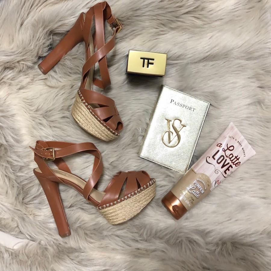 خرید | کفش | زنانه,فروش | کفش | شیک,خرید | کفش | قهوه اى / كرم | Charles and Keith,آگهی | کفش | 37,خرید اینترنتی | کفش | جدید | با قیمت مناسب