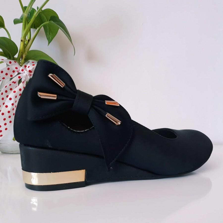 خرید   کفش   زنانه,فروش   کفش   شیک,خرید   کفش   مشکی   سفیر,آگهی   کفش   39,خرید اینترنتی   کفش   جدید   با قیمت مناسب