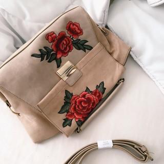 خرید | کیف | زنانه,فروش | کیف | شیک,خرید | کیف | کرم صورتی با گلای قرمز گلدوزی شده | New look,آگهی | کیف | مدیوم,خرید اینترنتی | کیف | جدید | با قیمت مناسب