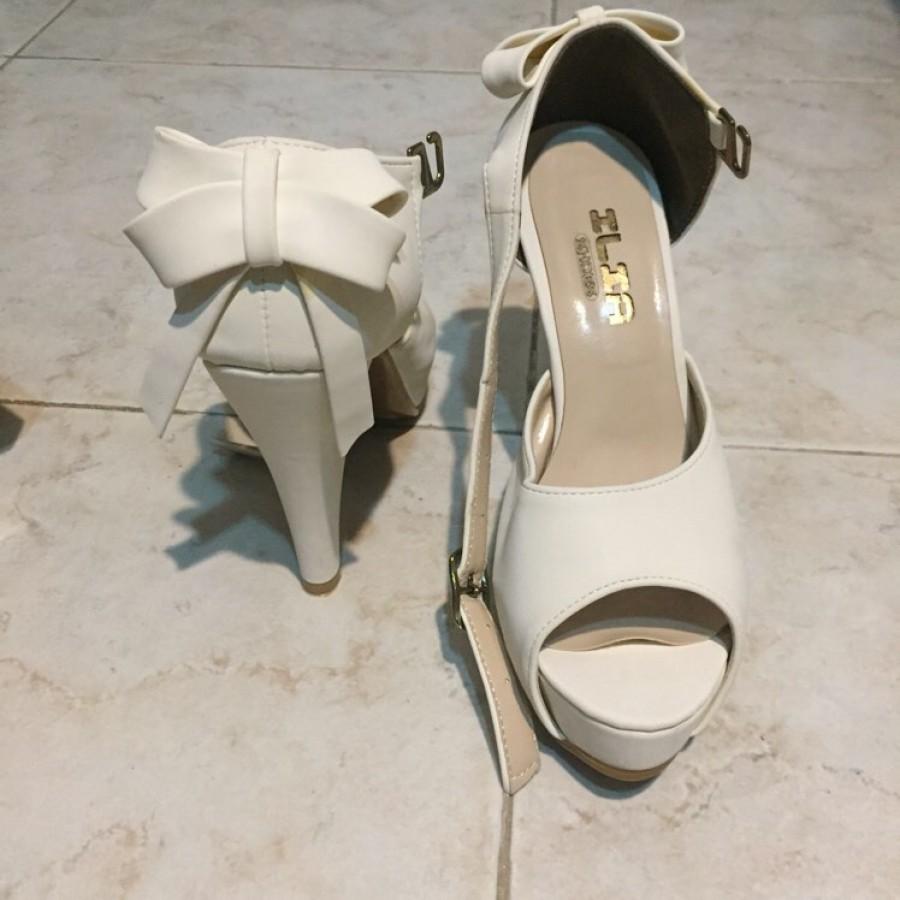 خرید | کفش | زنانه,فروش | کفش | شیک,خرید | کفش | شیری | داخلی,آگهی | کفش | 38,خرید اینترنتی | کفش | درحدنو | با قیمت مناسب