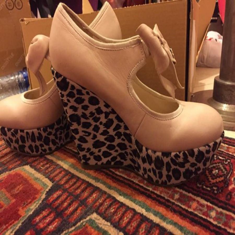 خرید | کفش | زنانه,فروش | کفش | شیک,خرید | کفش | کرمی با پاشنه پلنگی | ST&SAT,آگهی | کفش | 38,خرید اینترنتی | کفش | درحدنو | با قیمت مناسب