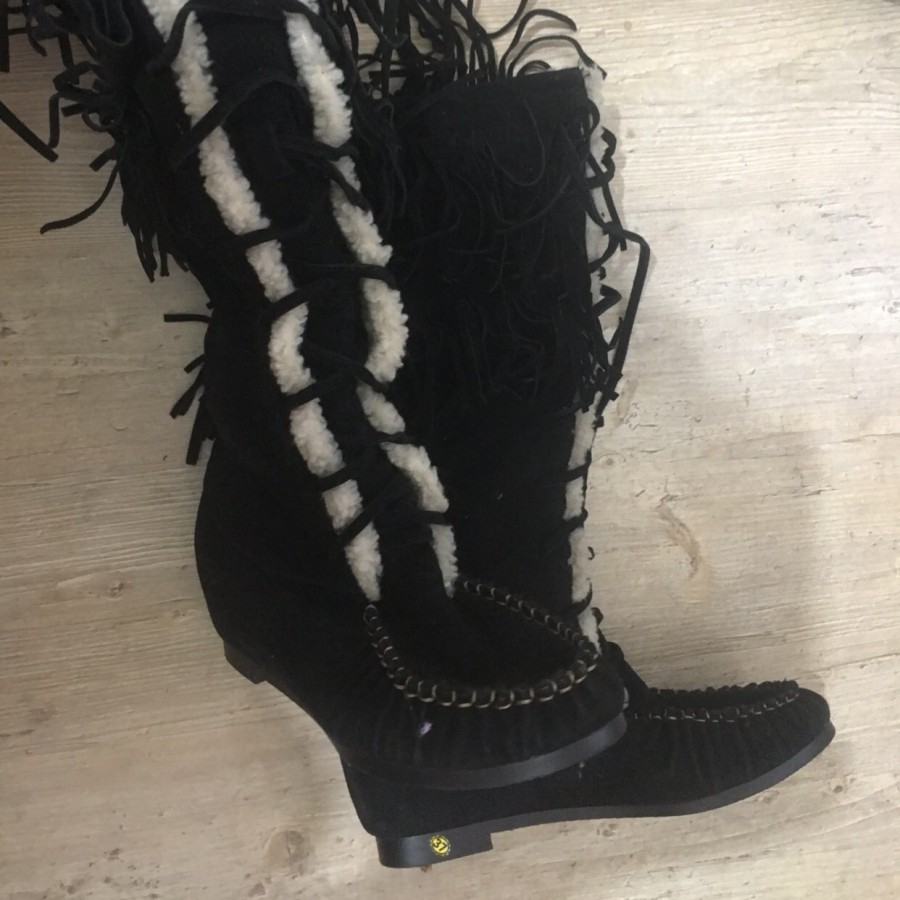 خرید | کفش | زنانه,فروش | کفش | شیک,خرید | کفش | مشکی | فندی,آگهی | کفش | 37,خرید اینترنتی | کفش | جدید | با قیمت مناسب