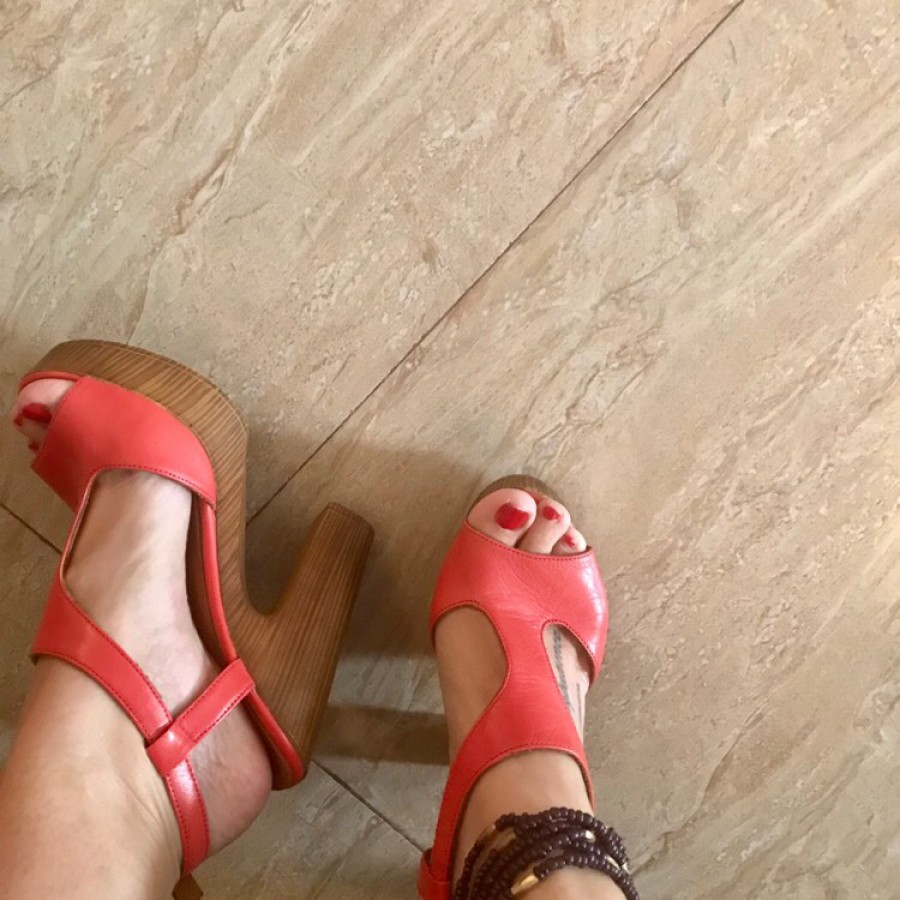 خرید | کفش | زنانه,فروش | کفش | شیک,خرید | کفش | نمیدونم به این رنگ چی میكن گلبهی قرمز شاید | atiker,آگهی | کفش | ٣٧,خرید اینترنتی | کفش | درحدنو | با قیمت مناسب