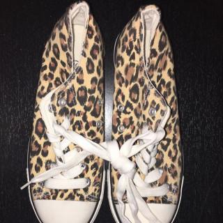 خرید | کفش | زنانه,فروش | کفش | شیک,خرید | کفش | پلنگى | -,آگهی | کفش | ٣٧,خرید اینترنتی | کفش | جدید | با قیمت مناسب