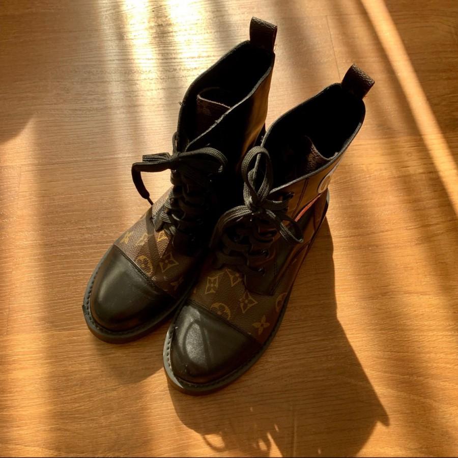 خرید   کفش   زنانه,فروش   کفش   شیک,خرید   کفش   مطابق عکس   Louis  Vuitton,آگهی   کفش   37,خرید اینترنتی   کفش   درحدنو   با قیمت مناسب