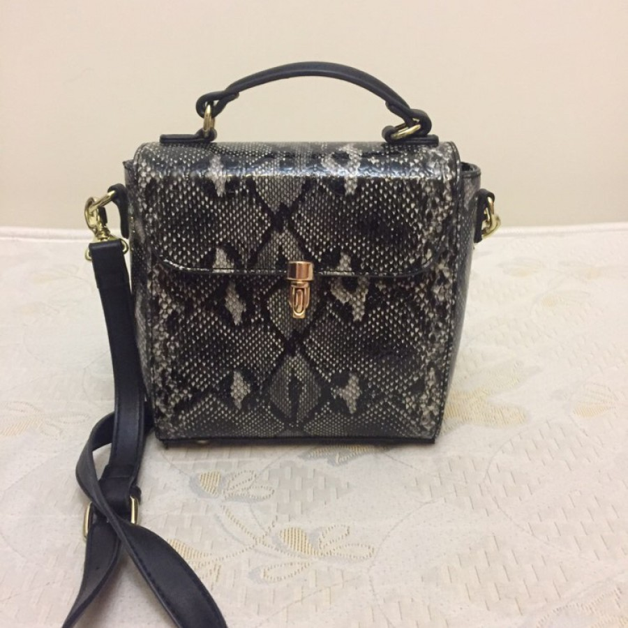 خرید   کیف   زنانه,فروش   کیف   شیک,خرید   کیف   Post  mari   .,آگهی   کیف   .,خرید اینترنتی   کیف   جدید   با قیمت مناسب