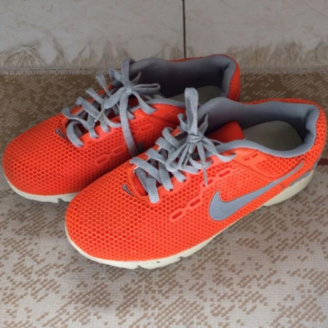 خرید   کفش   زنانه,فروش   کفش   شیک,خرید   کفش   نارنجى   Nike,آگهی   کفش   ٤٠,خرید اینترنتی   کفش   درحدنو   با قیمت مناسب