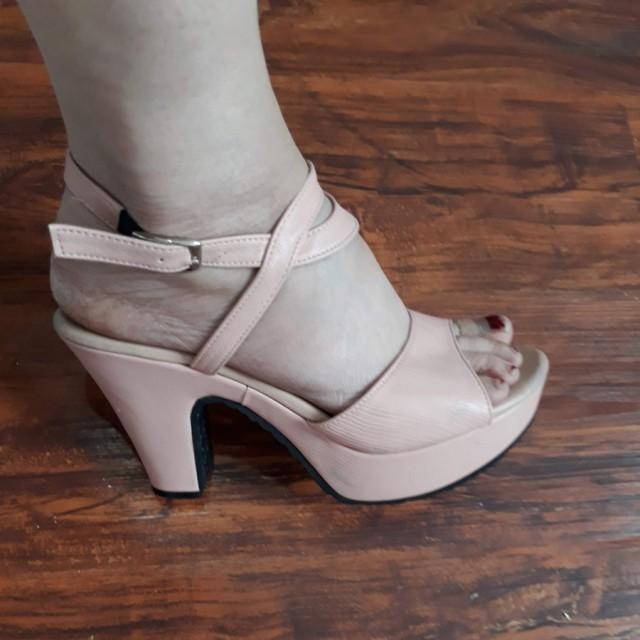 خرید | کفش | زنانه,فروش | کفش | شیک,خرید | کفش | صورتی چرک  | CLASS,آگهی | کفش | 38,خرید اینترنتی | کفش | درحدنو | با قیمت مناسب
