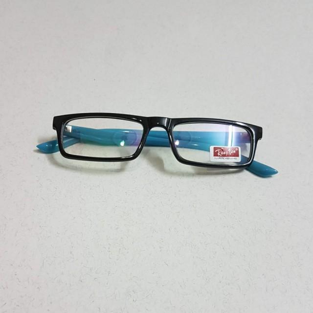 خرید   عینک    زنانه,فروش   عینک    شیک,خرید   عینک    فریم آبی و مشکی   .,آگهی   عینک    .,خرید اینترنتی   عینک    جدید   با قیمت مناسب