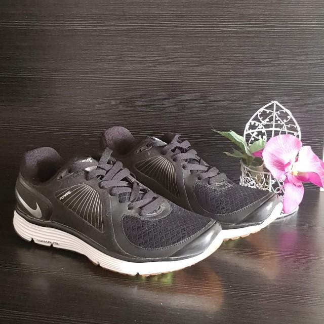 خرید | کفش | زنانه,فروش | کفش | شیک,خرید | کفش | مشکی | نایک,آگهی | کفش | 40,خرید اینترنتی | کفش | جدید | با قیمت مناسب