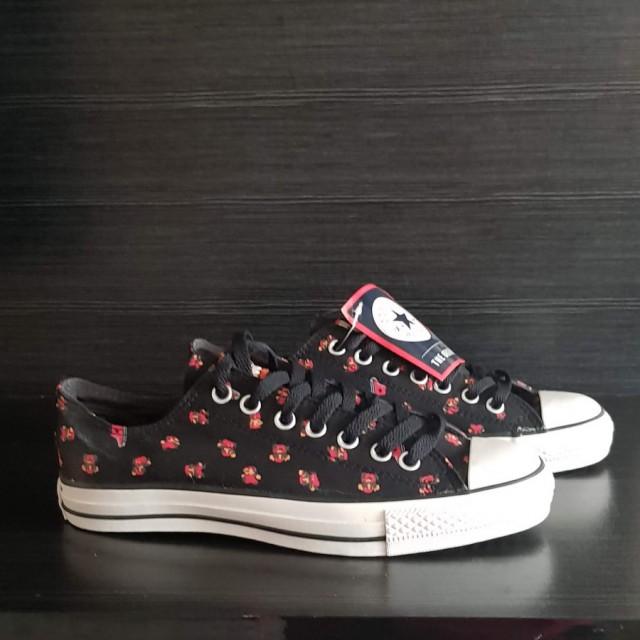 خرید | کفش | زنانه,فروش | کفش | شیک,خرید | کفش | طبق تصویر | converse,آگهی | کفش | 41,خرید اینترنتی | کفش | جدید | با قیمت مناسب