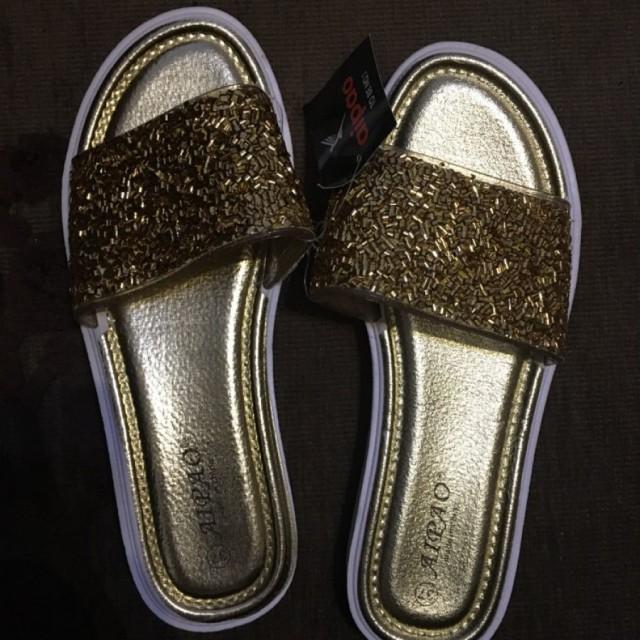 خرید | کفش | زنانه,فروش | کفش | شیک,خرید | کفش | طلایی | .,آگهی | کفش | 36,خرید اینترنتی | کفش | جدید | با قیمت مناسب