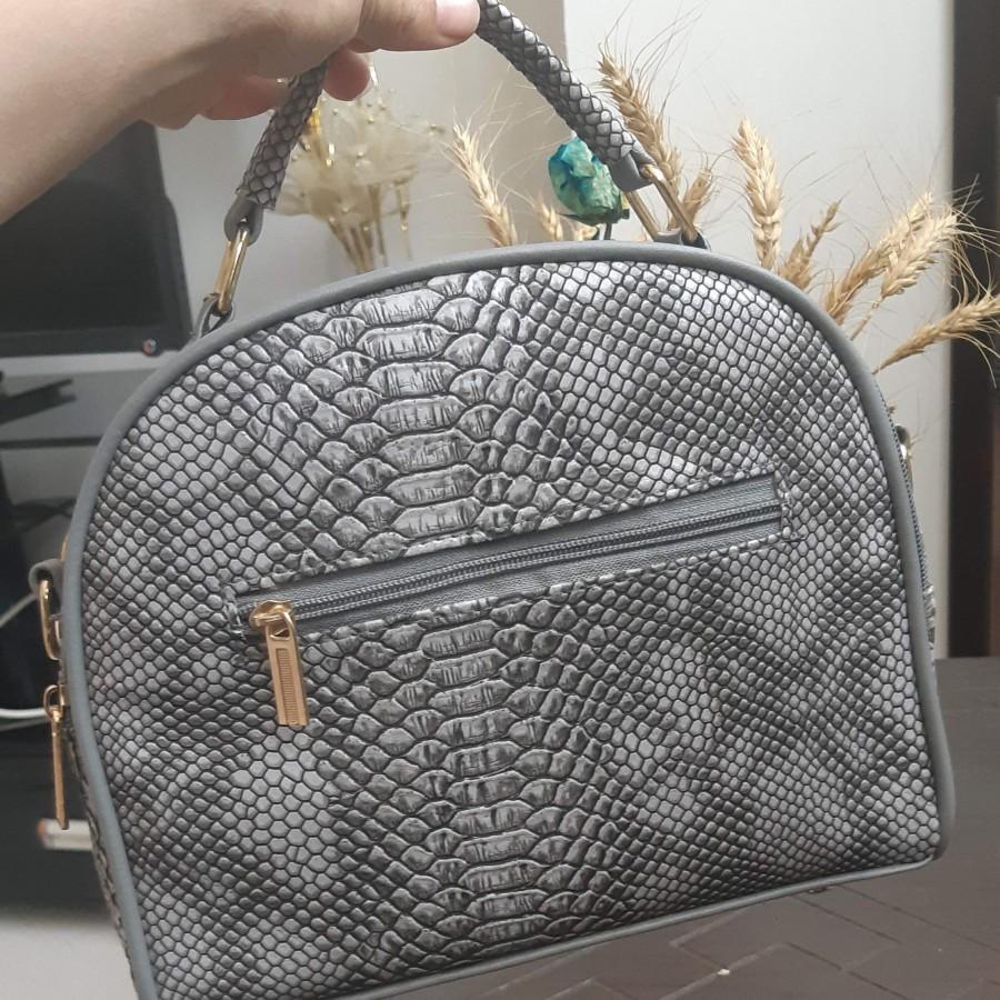 خرید   کیف   زنانه,فروش   کیف   شیک,خرید   کیف   مطابق عکس    _,آگهی   کیف   متوسط,خرید اینترنتی   کیف   جدید   با قیمت مناسب