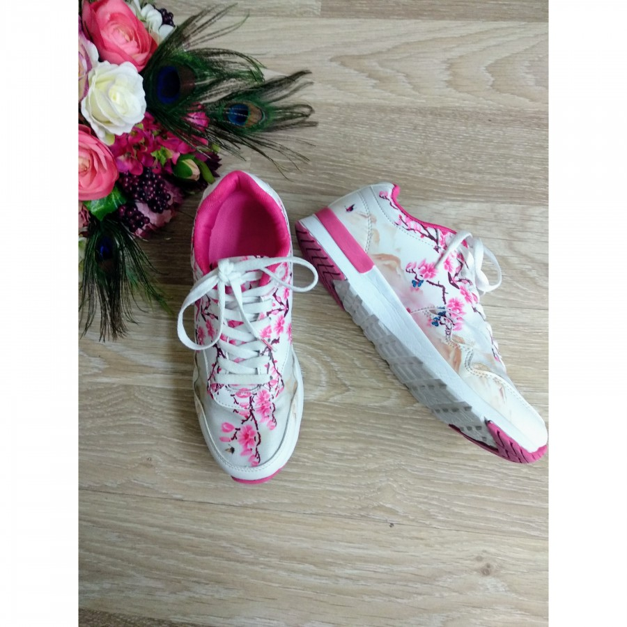 خرید | کفش | زنانه,فروش | کفش | شیک,خرید | کفش | سفید صورتی |  Kappa,آگهی | کفش | 39,خرید اینترنتی | کفش | جدید | با قیمت مناسب