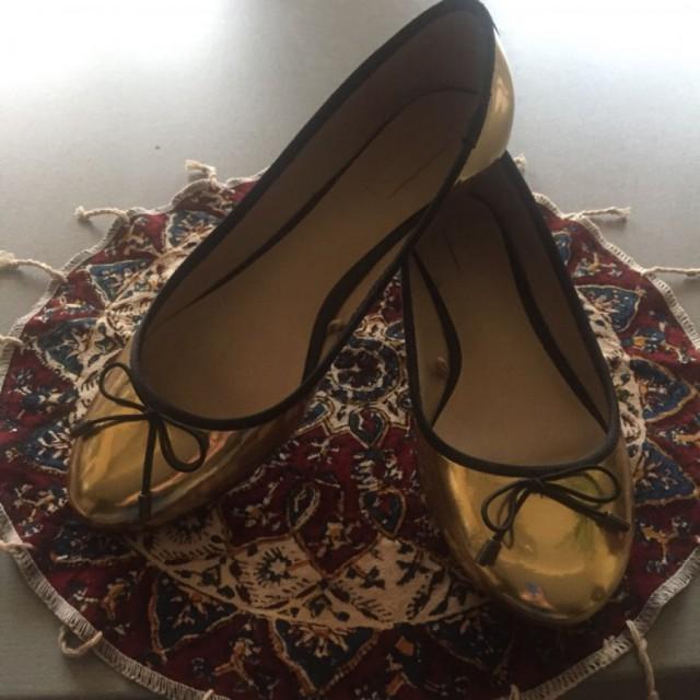 خرید | کفش | زنانه,فروش | کفش | شیک,خرید | کفش | طلایی | Trafuluc,آگهی | کفش | مناسب ٣٧,خرید اینترنتی | کفش | جدید | با قیمت مناسب