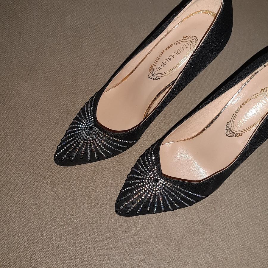 خرید   کفش   زنانه,فروش   کفش   شیک,آگهی   کفش   38,خرید اینترنتی   کفش   جدید   با قیمت مناسب