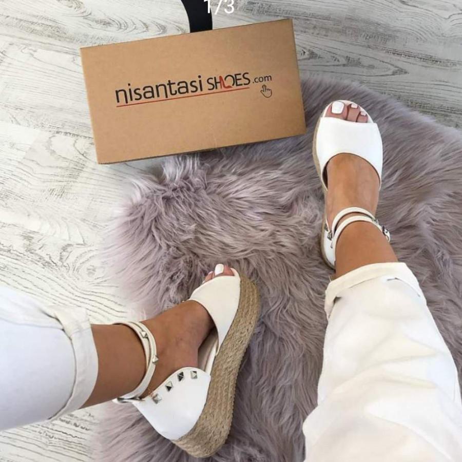 خرید   کفش   زنانه,فروش   کفش   شیک,خرید   کفش   سفید   نوشتم,آگهی   کفش   37,خرید اینترنتی   کفش   درحدنو   با قیمت مناسب