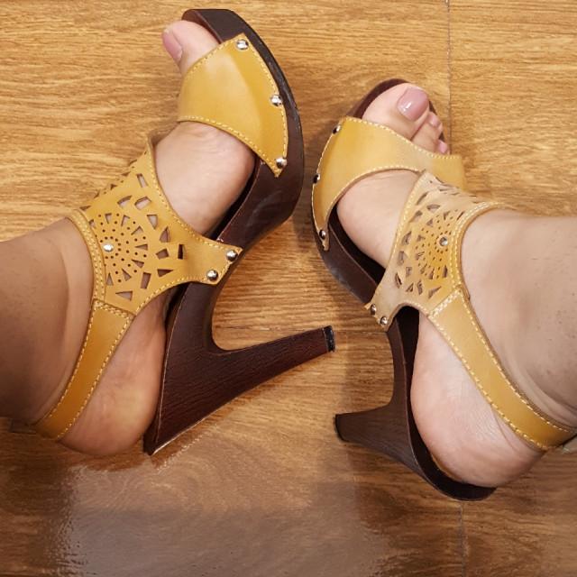 خرید | کفش | زنانه,فروش | کفش | شیک,خرید | کفش | مطابق عکس | تایلند,آگهی | کفش | 40,خرید اینترنتی | کفش | درحدنو | با قیمت مناسب
