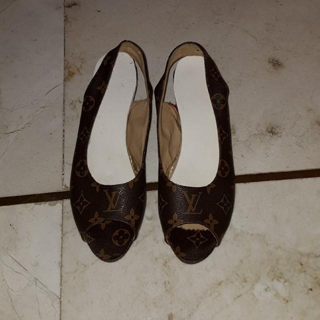 خرید | کفش | زنانه,فروش | کفش | شیک,خرید | کفش | قهوه ای | Lv,آگهی | کفش | 38,خرید اینترنتی | کفش | درحدنو | با قیمت مناسب