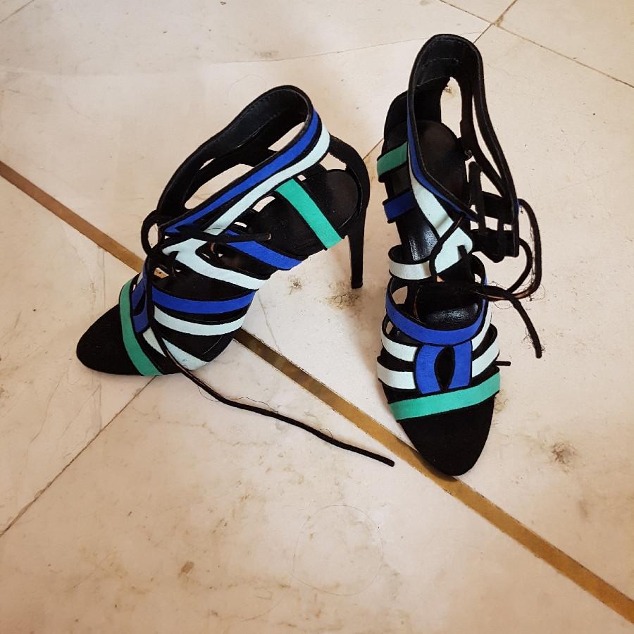 خرید   کفش   زنانه,فروش   کفش   شیک,خرید   کفش   آبی مشکی   Zara,آگهی   کفش   38,خرید اینترنتی   کفش   جدید   با قیمت مناسب
