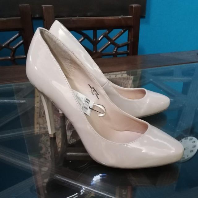 خرید   کفش   زنانه,فروش   کفش   شیک,خرید   کفش   کرم   خارجی ,آگهی   کفش   41,خرید اینترنتی   کفش   جدید   با قیمت مناسب