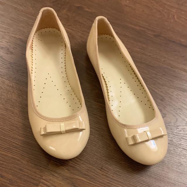 خرید | کفش | زنانه,فروش | کفش | شیک,خرید | کفش | کرم براق | چینی,آگهی | کفش | 37-37/5,خرید اینترنتی | کفش | جدید | با قیمت مناسب