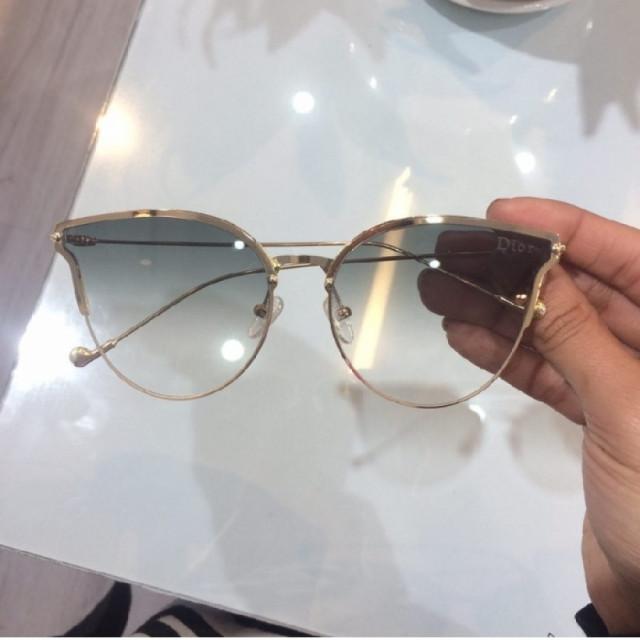 خرید | عینک  | زنانه,فروش | عینک  | شیک,خرید | عینک  | طوسی  | Dior,آگهی | عینک  | Medium,خرید اینترنتی | عینک  | جدید | با قیمت مناسب