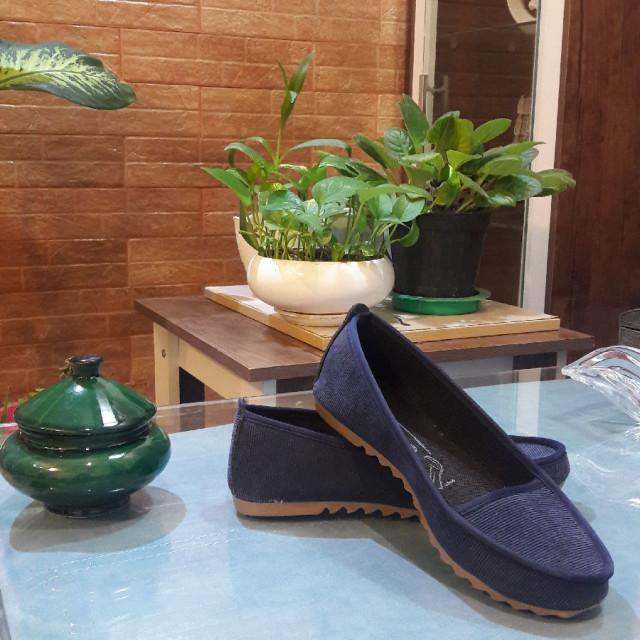 خرید | کفش | زنانه,فروش | کفش | شیک,خرید | کفش | سورمه ای | 0,آگهی | کفش | 39,خرید اینترنتی | کفش | جدید | با قیمت مناسب