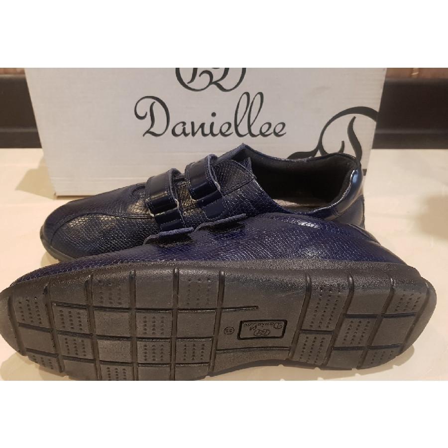 خرید | کفش | زنانه,فروش | کفش | شیک,خرید | کفش | سورمه ای تیره | دنیلی Daniellee,آگهی | کفش | 39,خرید اینترنتی | کفش | جدید | با قیمت مناسب