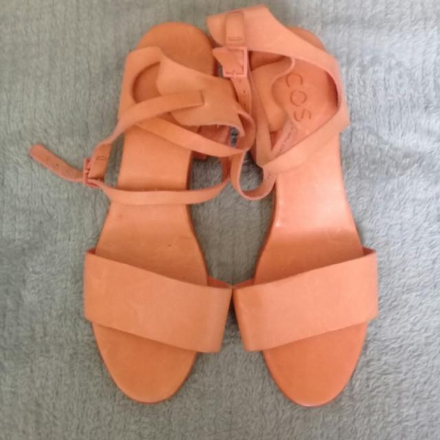 خرید | کفش | زنانه,فروش | کفش | شیک,خرید | کفش | نارنجی خیلی خوشرنگ | COS,آگهی | کفش | 40 و 41 موجوده,خرید اینترنتی | کفش | جدید | با قیمت مناسب