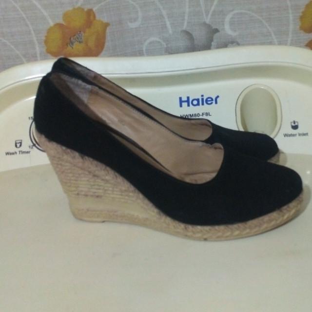 خرید | کفش | زنانه,فروش | کفش | شیک,خرید | کفش | مخمل مشکی | ایرانی,آگهی | کفش | 37,خرید اینترنتی | کفش | درحدنو | با قیمت مناسب