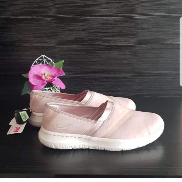 خرید | کفش | زنانه,فروش | کفش | شیک,خرید | کفش | کرم یه هوا نسکافه ای  | skechers,آگهی | کفش | 40,خرید اینترنتی | کفش | جدید | با قیمت مناسب