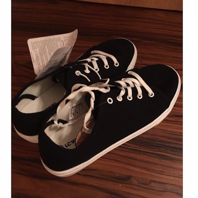 خرید | کفش | زنانه,فروش | کفش | شیک,خرید | کفش | مشکی | Lc,آگهی | کفش | 39,خرید اینترنتی | کفش | جدید | با قیمت مناسب