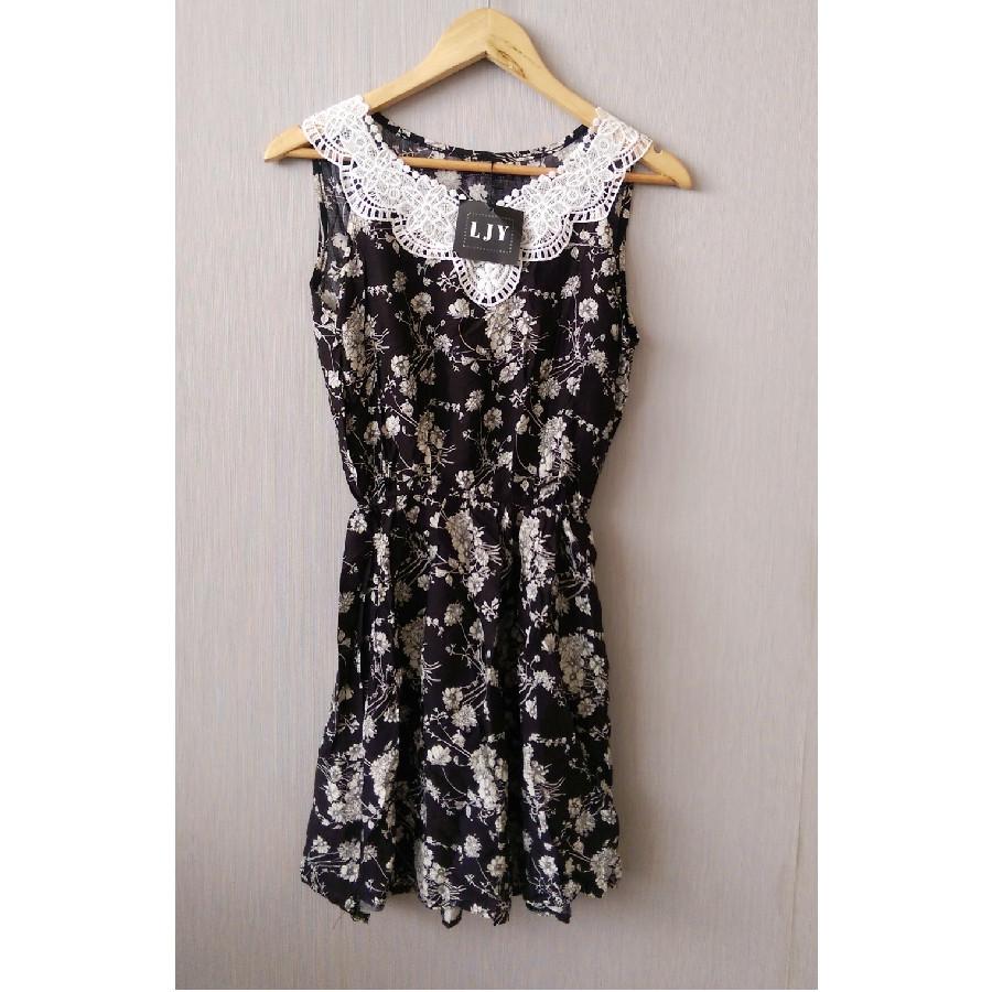 خرید | تاپ / شومیز / پیراهن | زنانه,فروش | تاپ / شومیز / پیراهن | شیک,خرید | تاپ / شومیز / پیراهن | مشکیی با گلای سفید  | LJy,آگهی | تاپ / شومیز / پیراهن | فری تا سایز چهل ,خرید اینترنتی | تاپ / شومیز / پیراهن | جدید | با قیمت مناسب
