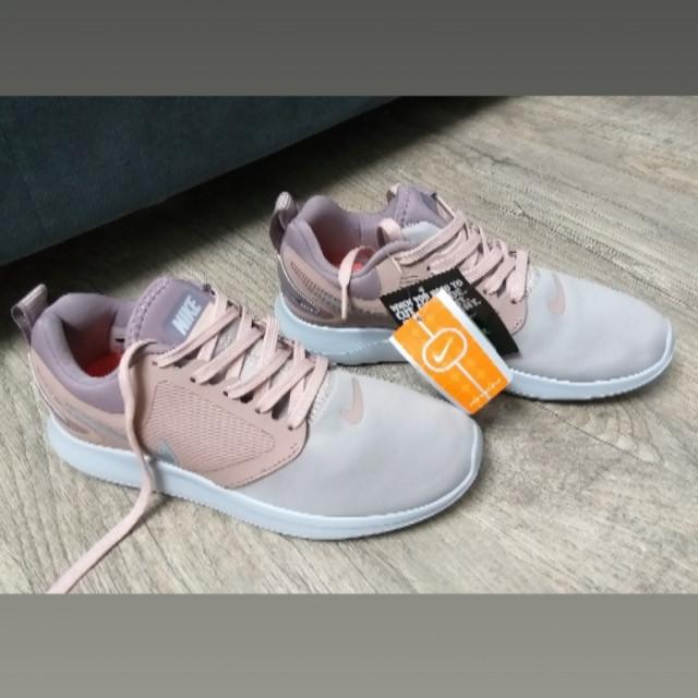 خرید | کفش | زنانه,فروش | کفش | شیک,خرید | کفش | مطابق عکس | Nike,آگهی | کفش | 38_37,خرید اینترنتی | کفش | جدید | با قیمت مناسب