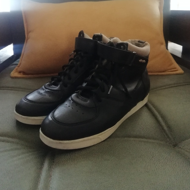 خرید   کفش   زنانه,فروش   کفش   شیک,خرید   کفش   مشکی   ندارد,آگهی   کفش   40,خرید اینترنتی   کفش   درحدنو   با قیمت مناسب
