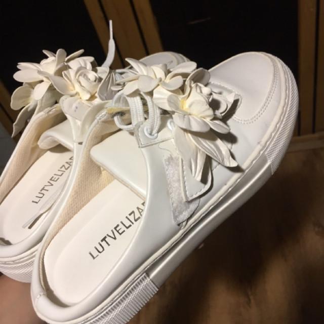 خرید | کفش | زنانه,فروش | کفش | شیک,خرید | کفش | سفید (مشابه عکس دقیقا) | ترک (lutvalizade),آگهی | کفش | 37 واقعی,خرید اینترنتی | کفش | جدید | با قیمت مناسب